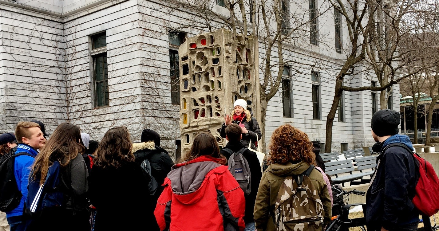 V.A.C. Max Stern Fellow and tour guide Hayley Eaves giving a tour to high school students as part of a collaboration with Enrolment Services, March 2017. In the background: Ernestine Tahedl's Lantern, 1968. Photo credit: Gwendolyn Owens.