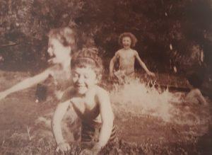 Figure 3. Pierre Bonnard, La baignade au Gand-temps, Vivette, Roberrt et deux autres enfants. Photographie. Musée d'Orsay, Paris.