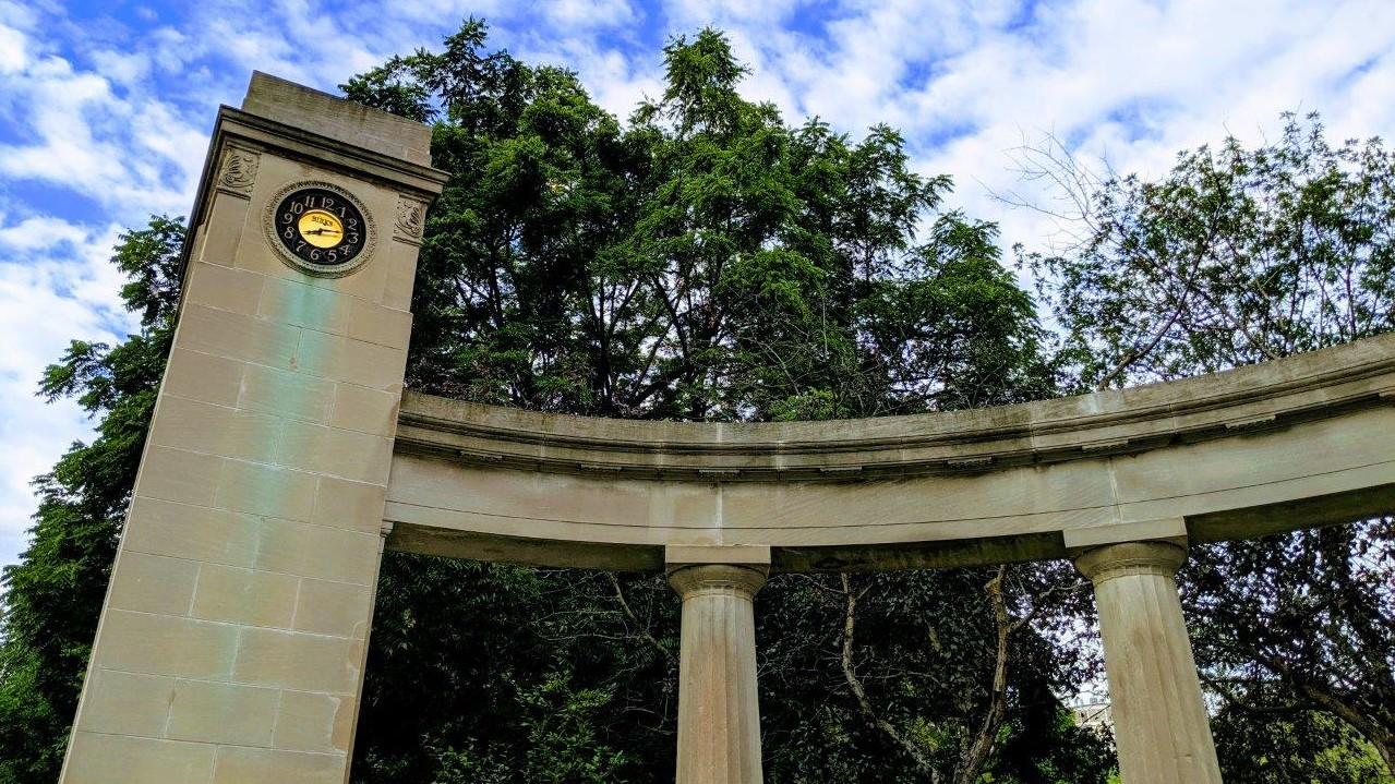 Birks Clock Roddick Gates